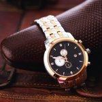 時計の王様として世界中の人に知られているのがロレックスです。 今回は、高級な腕時計が揃うロレックスの中でもプレゼントとして人気のサブマリーナやデイトナなどのモデルをご紹介します。予算や人気の理由、モデルごとの特徴について紹介しますので、ぜひ選ぶ際の参考にしてください。