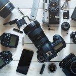 Kamera, gadget yang satu ini sudah jadi barang wajib untuk banyak orang saat ini termasuk untuk para fotografer maupun vlogger yang gemar mengabadikan momen serta mengambil foto dengan nilai estetis yang tinggi. Mau tahu kamera tercanggih apa yang ada saat ini? Cek ulasannya berikut ini!