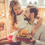 Bạn đang muốn tìm một thứ gì đó độc đáo và chân thành như tình yêu của bạn dành cho anh ấy, nhưng vẫn đủ thiết thực để anh ấy sử dụng hàng ngày? Hãy tham khảo ngay danh sách 10 món quà Valentine dành tặng cho nam cực kì ý nghĩa (năm 2021) dưới đây bạn nhé!