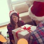 クリスマスはパートナーとの愛情を確認するイベントです。そんな特別な日だからこそ、気負いすぎない価格帯で喜ばれるプレゼントを選びましょう。今回は、5,000円で手に入れられるクリスマスプレゼントを2018年の最新情報をもとに厳選しました。ぜひ愛する人との素敵な時間を演出する参考にしてください。