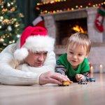 4歳の男の子にとってクリスマスは一大イベントです。今回は4歳の男の子に人気のクリスマスプレゼントを【2019年最新版】ランキング形式でご紹介します。大好評のミニカーやプラレールもご紹介しますので、とっておきのクリスマスプレゼントを選んでください。