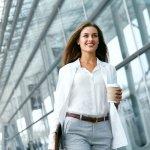 Bosan dengan Pakaian Kerja yang Itu-itu Aja? Cobalah 11 Inspirasi Pakaian Kerja agar Semakin Fashionable dan Segar saat Ngantor