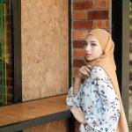 Busana muslim bisa dipakai oleh siapa saja, tak terkecuali remaja. Sudah banyak remaja memutuskan untuk menggunakan busana muslim. Apalagi di bulan Ramadhan ini. Lalu gaya busana muslim seperti apa yang pas untuk dipakai remaja? Simak ulasannya.