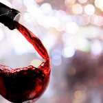 Untuk acara spesial seperti ulang tahun atau anniversary, minuman anggur merah pastilah membuat suasana makin meriah. Siapa saja bisa mengonsumsinya asalkan tidak memiliki masalah kesehatan. Nah, intip rekomendasi anggur merah berkualitas dari BP-Guide!