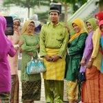 5 Ragam Pakaian Melayu dan 8 Rekomendasi yang Apik untuk Dikenakan di Acara Spesial