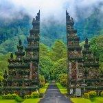 अगर आप भी घूमने के शौकीन है और बाली जाने का प्लान बना रहे हैं तो बाली की इन 10 सुंदर और खास जगहों पर जरूर जाए । यकीन मानिए आपकी विजिट बेहद मजेदार रहेगी और खासकर अगर आप पार्टी के शौकीन है तो यह जगह आपके लिए स्वर्ग साबित हो सकती है । साथ में हमने आपको कई महत्वपूर्ण बातें भी बताई है जो आपके बेहद काम आएगी । अधिक जानने के लिए आगे पढ़े ।