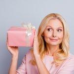 Gợi ý 10 quà tặng mẹ vợ tương lai giúp bạn ghi điểm (năm 2020)