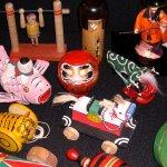 Jepang seperti tidak kehilangan inovasi dalam menciptakan mainan anak-anak. Berbagai macam jenis mainan buatan Jepang tersebar hampir di setiap negara. Tidak dipungkiri memang bahwa Jepang tidak semata-mata menciptakan mainan anak-anak tetapi juga memerhatikan manfaat edukasinya. Hal ini karena kecerdasan anak memang perlu dilatih sejak dini, contohnya melalui mainan.