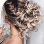 There will always be some new hairstyle trends for us every season. What you need to do is to check them out and take them to your stylists. You can add some braiding details to make your hairstyle look more wonderful and alluring. Scroll down this post to find more inspirations with our awesome hairstyle below!