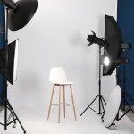 Ada banyak peralatan dan perlengkapan yang dibutuhkan untuk membangun studio foto. Sebagai pemula tentunya kamu sedikit bingung, bukan? Jangan khawatir, berikut ada tips membangun studio foto dan beberapa rekomendasi perlengkapan yang kamu butuhkan.