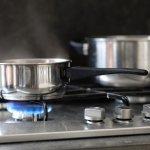 Kompor menjadi alat masak yang penting di dapur. Salah satu jenis kompor paling banyak dicari adalah kompor dua tungku. Nah, jangan sampai asal memilih kompor yang satu ini. Simak tips memilih kompor dua tungku dari kami! Selain itu, jangan lupa mengecek rekomendasi produknya juga, ya.