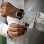 Jam tangan pria bagus bisa membuat yang memakainya juga terlihat keren dan makin percaya diri. Kalau Anda sedang bimbang hendak memilih jam tangan yang mana, BP-Guide telah menyediakan panduan untuk memilih jam tangan yang bagus agar Anda tak salah pilih!