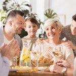 Memberikan hadiah untuk ibu tercinta tak melulu dalam bentuk kado atau benda lho! Kamu juga bisa berikan kado terindah untuk ibu berupa makan malam romantis di deretan resto ternama dan romantis rekomendasi BP-Guide dalam ulasan berikut!