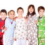 Kegiatan tidur untuk anak seringkali sulit dilakukan. Inilah repotnya ketika menyuruh anak tidur. Orangtua seringkali harus memahami mengapa anak sulit untuk tidur, termasuk faktor kenyamannya.   Tentu baju tidur bisa menjadi faktor anak sulit tidur dan mudah untuk tidur. Maka jangan sembarangan memilih baju tidur untuk anak. Untuk itu, BP-Guide akan membantu Anda untuk mencari referensi baju tidur anak-anak yang nyaman untuk digunakan.