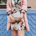 いつの時代も女性から愛されているワンピースは、プレゼントにも最適です。花柄やレトロ風などのトレンドを取り入れたワンピースが、レッセパッセやハニーズなどの人気ブランドより発売されています。この記事では、2021年最新版のブランドワンピースランキングをご紹介します。エレガントなスタイルを好むか、カジュアルなファッションが多いかなど、相手の女性の雰囲気に合わせて選びましょう。