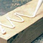 Butuh merekatkan kayu atau menyambung kembali dekorasi kayu yang pecah? Kamu butuh lem kayu terbaik. Cek rekomendasi lem kayu dari kami berikut ini!