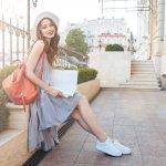 Sepatu menjadi fashion item penting bagi tampilan wanita yang dapat menyempurnakan penampilanmu setiap saat. Kamu yang ingin bergaya kece, wajib cek dulu tren sepatu wanita terbaru tahun 2020!