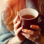 Bersama dengan kopi, teh menjadi minuman yang paling digemari di seluruh dunia. Efek teh yang menenangkan tubuh membuat minuman ini disukai semua kalangan. Kamu pencinta teh? Berikut BP-Guide punya rekomendasi merek teh terbaik di seluruh dunia. Kamu wajib coba ya!