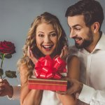 Yuk Cari Kado Spesial untuk Pacar Kesayangan, Ini 10 Rekomendasinya