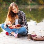 Lagi Ingin Membaca Novel Romantis? Inilah 7 Rekomenasi Novel Romantis yang Waji Kamu Miliki