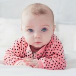 Memilih pakaian untuk bayi memang tidak boleh sembarangan. Apalagi buat ibu-ibu muda yang baru memiliki bayi, pasti bisa kalap mata jika membeli pakaian bayi. Eits, sabar lho, Bu. Cobalah pakaian dengan jenis jumper atau jumpsuit. Pakaian yang super praktis ini memberikan kenyamanan tanpa merasa kegerahan. Yuk, simak aja rekomendasi dari BP-Guide berikut ini!