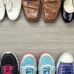 Sepatu memiliki beragam model, kualitas, dan harga. Sepatu berkualitas bagus biasanya berharga mahal. Namun jika ada sepatu berharga murah dengan kualitas yang baik, tentu harus jadi pertimbangan. Dengan demikian kamu bisa menghemat uang sekaligus tetap keren memakai sepatu yang berkualitas.
