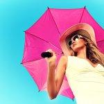 彼女や妻など女性の誕生日プレゼントに人気のおしゃれなレディース傘について、2019年度最新版をランキング形式でご紹介します。通勤用の傘をプレゼントする場合は、スーツやオフィスカジュアルな装いに合う落ち着いたデザインの傘がおすすめです。ぜひ参考にご覧ください。