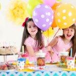 小学2年生の女の子は、学校生活にも慣れてお姉さんらしくなる時期です。そしていろいろなことに興味が出てくる年齢でもあるため、8歳の誕生日に何をプレゼントしたら良いのか大人が選ぶのが難しくなってきます。今回は【2019年最新版】小学2年生の女の子の誕生日に人気があるプレゼントをランキング形式でご紹介します。また選び方のポイントや予算もリサーチしましたので、ぜひ参考にしてください