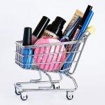 Produk-produk kosmetik selalu masuk dalam daftar belanjaan wanita. Biasanya, jumlahnya juga lebih dari satu macam. Anda harus memastikan produk yang akan dibeli sesuai dengan kebutuhan dan bukan barang palsu. Produk palsu pasti akan berdampak pada kesehatan kulit Anda.