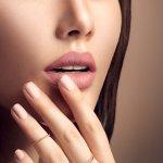 Bibir Kering Tetapi Tetap Ingin Memakai Lipstik? Tenang, 10 Rekomendasi Lipstik Ini Bikin Bibir Tetap Lembab dan Indah