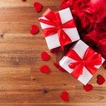 彼女や妻が喜ぶクリスマスプレゼント選びに悩む男性が多いのも現実です。今回はクリスマスに2000円という予算で、女性に特別感を味わってもらえる贈りものを【2018年最新版】としてランキングでご紹介します。女性が本当に幸せと愛情を感じるものはどんなアイテムなのか、プレゼント選びの参考にしてください。