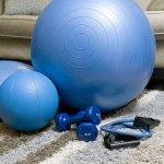 Siapa bilang alat fitness mahal? Ada banyak alat fitness murah yang bisa jadi andalan untuk berolahraga. Tapi jangan asal pilih alat fitness yang harganya murah ya! Yuk, cek tips memilih alat fitness murah berkualitas beserta rekomendasi produknya dari kami!