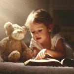 Mendengarkan cerita adalah kegiatan yang sangat disukai oleh si kecil. Anak bisa belajar tentang berbagai makna dan nilai yang terkandung di dalam cerita yang baru saja ia dengar. Dapatkan rekomendasi buku cerita terbaik melalui artikel BP-Guide yang satu ini.
