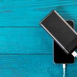 iPhone dikenal sebagai salah satu merek smartphone paling populer. Smartphone yang satu ini dibanderol dengan harga mahal. Meski demikian, banyak orang rela mengeluarkan banyak uang demi memiliki sebuah iPhone. Faktor prestige membuat orang jadi mengantri membeli iPhone. Nah, kalau kamu memiliki iPhone, tentu kamu akan butuh powerbank untuk menjaga dayanya agar selalu ON. Simak rekomendasinya dari kami, yuk!