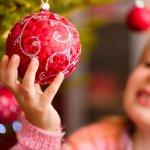 クリスマス会で子供が楽しみなイベントと言えば、プレゼント交換です。しかし、プレゼント交換は予算が1,000円と決まっていることも多く、親からすると何を選べば良いのか悩む難しいイベントでもあります。そこで今回は、1,000円前後で用意することができる子供に人気のクリスマスプレゼントをご紹介します。