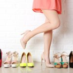 Sepatu kulit merupakan fashion item yang tak pernah lekang oleh waktu. Desainnya pun makin beragam dan kekinian mengikuti tren yang berkembang. Dengan perawatan yang benar, sepatu kulit bisa bertahan lama dan tetap cantik saat dipakai.