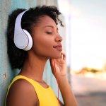Suka Nyanyi di Smule, Ini Rekomendasi 10+ Headphone yang Pas untuk Anda