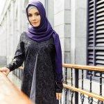 Fashion memang tidak pernah habis untuk dibahas, mulai dari fashion umum hingga fashion busana muslim. Saat ini fashion busana muslim juga memiliki beragam model yang semakin semakin cantik. Penggunaan gamis menjadi salah satu pilihan yang kerap digemari hijaber. Selain menutup aurat wanita, gamis membuat wanita tampak lebih anggun dan cantik.