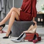 Sepatu tak luput dari perhatian wanita yang sangat peduli dengan penampilan. Sepasang sepatu mampu menunjang penampilan jadi sempurna. Jadikan beberapa pilihan sepatu Gucci ini sebagai koleksi jika Anda ingin tampil anggun dan menawan.