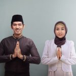 Seiring perkembangan fashion, maka baju muslim juga mulai berkembang dalam hal mode. Di mana telah banyak aneka pilihan baju muslim masa kini terbaru. Tidak hanya sesuai dengan syariat Islam, namun juga membuat Anda tampil modis. Berikut ulasan dari BP-Guide.