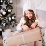 小学校高学年になると、好みもはっきりしてきてこだわりが出てくるので、クリスマスプレゼント選びも難しくなってきます。そこで今回は、小学校高学年の女の子が喜ぶクリスマスプレゼントをランキング形式でご紹介します。特別なイベントを祝うプレゼント選びの参考にしてください。