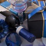 お酒好きのお父さんには、父の日にお酒をプレゼントして感謝の気持ちを伝えると喜ばれます。この記事では、編集部がwebアンケート調査の結果などをもとに厳選した、父の日ギフトとして人気のお酒をご紹介します。選び方や平均予算についても解説するので、お父さんにぴったりの贈り物を見つけるための参考にしてください。