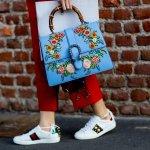Pemakaian model tas yang berbeda mampu memberikan kesan atau menegaskan tampilan yang berbeda pada si pemakai. Tas di dunia mode pun menjadi krusial dan para desainer item ini berbondong-bondong menciptakan inovasi sehingga menghasilkan tas yang tak hanya cantik namun juga unik.