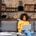 Anda Sedang Menjalani Work From Home? Waspadai 10 Gangguan Kesehatan Akibat Work From Home!