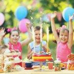 小さいころの誕生日はとても楽しみで、待ち遠しく感じます。今回は小学3年生の女の子が、その特別な1日を笑顔で過ごすことができるようなプレゼントを【2019年最新版】ランキング形式でご紹介します。家の中にいる方が好きか、外で活発に過ごすほうが好きなのか、女の子の個性を見極めて喜ばれるプレゼントを選びましょう。