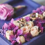 大切な結婚記念日には、結婚の年数にあやかり決められたアイテムを贈り物にすると良い記念になります。17年共に歩んできた夫婦にぴったりのプレゼントを2018年最新版のランキングでご紹介します。花束やネックレスなど、思い出に残る素敵なプレゼントを選ぶ参考にしてください。
