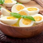 """We all know the benefits of eggs, and eggetarians have a hard time to decide what more to make with eggs other than eating plain, boiled eggs or """"and bhurji"""". If you happen to be someone like that, you've found the right place! Find below some of the most delicious egg recipes which are also low on calories!"""