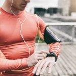 Selain digunakan untuk menunjukkan waktu dan melengkapi penampilan, jam tangan saat ini juga punya fungsi untuk menunjang aktivitas olahraga. Mau tampil keren dengan jam tangan olahraga? Yuk simak rekomendasinya berikut ini!