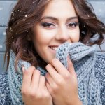 Winter weather is harsh on all hair textures and types. Just like skin, hair needs protection from the cold to remain soft and healthy. We are here to help you up to your hair game this winter. We've put together our favourite winter hair care tips and tricks below so you can achieve healthy hair this winter.
