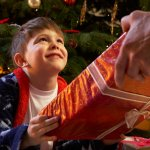 この記事では、小学3年生の男の子におすすめのクリスマスプレゼントをランキング形式で紹介しています。編集部がwebアンケート調査などを行いセレクトした商品は、小学生の男の子から実際に人気のあるアイテムばかりです。選び方のポイントや予算などもチェックして、クリスマスを盛りあげる素敵なプレゼントを手に入れましょう。